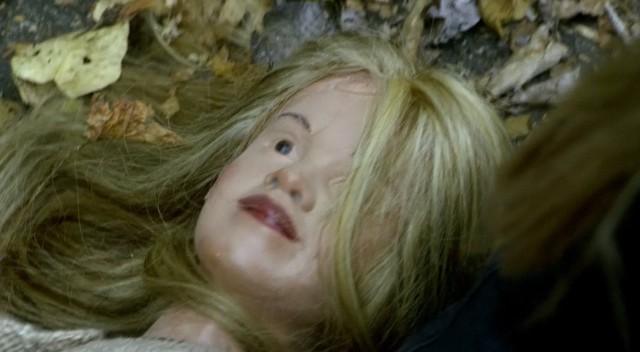 Fringe S5x08 - Olivia falls into a trap
