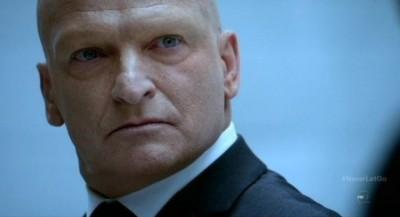 Fringe S5x11 - James Kidnie as The Observer Commander