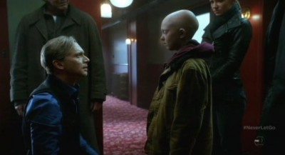Fringe S5x11 - September is happy as he faces his son Michael as the team looks on fondly