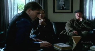 Fringe S5x11 - September relates what happened to him after he lost contact with the Fringe Team
