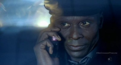 Fringe S5x13 - Broyles is being followed