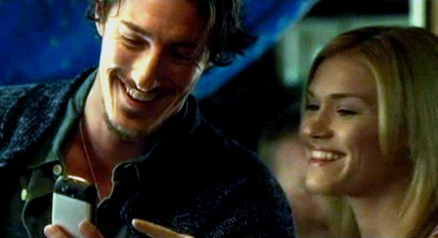 Haven S2x08 - Giggling at Nathan dancing