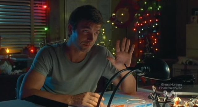 Haven S2x13 - Nathan begins to hate Christams but is convinced