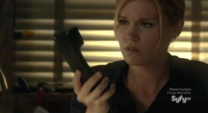 Haven S2x13 - Silent Night is in the phone