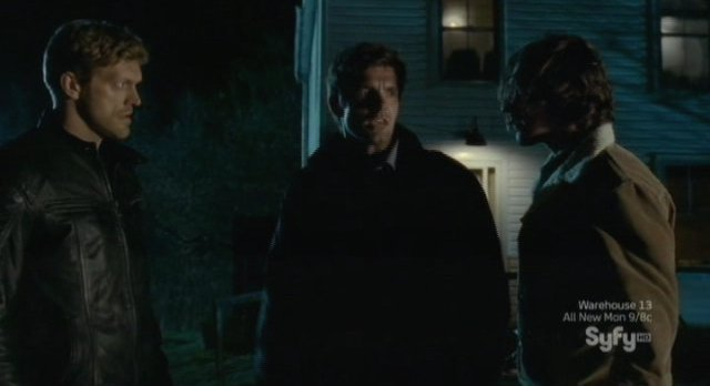Haven S3x01 - Dwight and Duke think Wesley is crazy but Nathan is not so sure