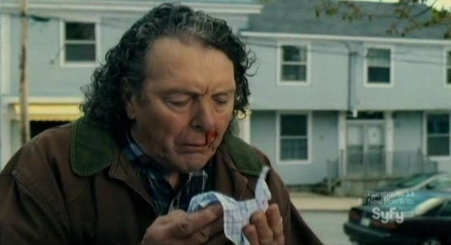 Haven S3x01 - Vince suffers a nose bleed