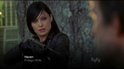Haven S4x01 - Jordon does not trust Nathan after he jilted her