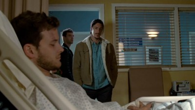 Haven S4x04 - Duke feels sorry for Tyler and offers him drinks