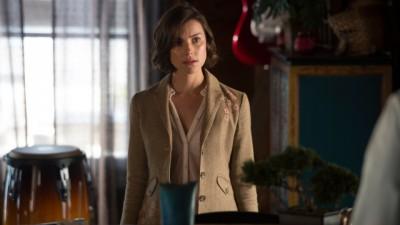 Haven S4x04 - Jennifer brings Lexie some of Audrey's clothes