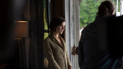 Haven S4x04 - Jennifer moves in with Duke on his boat feeling sorry for the trouble Tyler caused