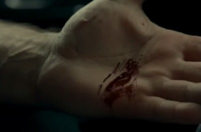 Haven S4x06 - Wade gets Jordan's blood to activate the Crocker curse