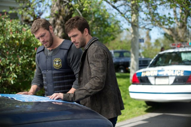 """Haven S4x03 - Dwight and Nathan plot Bad Bloods demise -""""Bad Blood"""" Episode 403 -- Pictured: -- (Photo by: Michael Tompkins/Syfy)"""