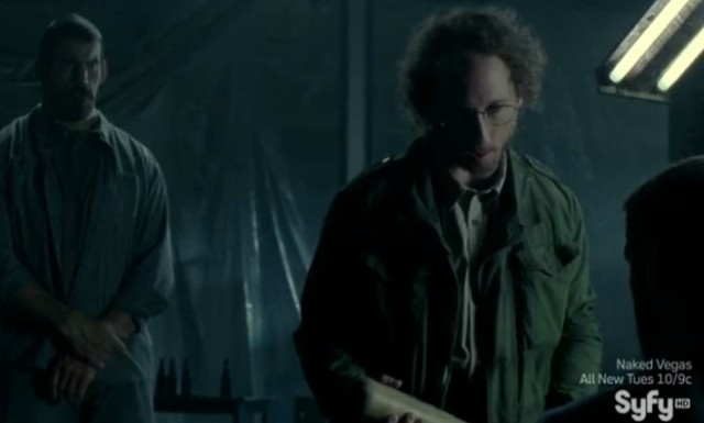 Haven S4x09 - Sinister Man and Heavy are holding kidnapped Dwight hostage