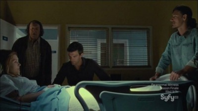 Haven S4x11 - Dukes and Vince rush to visit Audrey in the hospital and discuss the implications of William