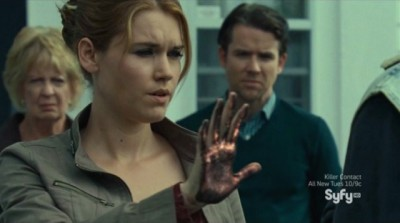 Haven S4x12 - Black hand Audrey infects Duke as the screen fades to black