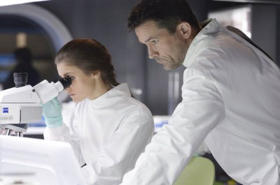 Helix S1x06 - Alan knows chemistry and seeks answers in the lab with Sarah