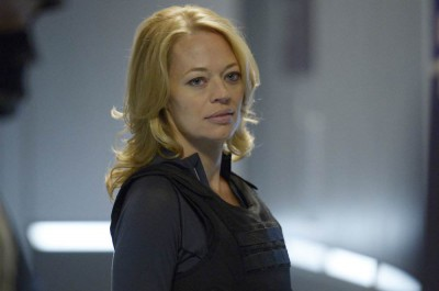 Helix S1x07 - Constance Sutton played byJeri Ryan arrive at Arctic Biosystems