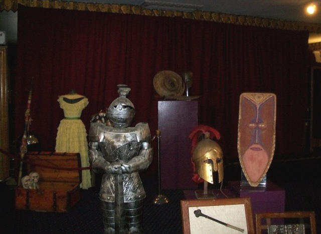 Hollywood Auction 43 - Rare artifacts on display at Hollywood Auction 43!