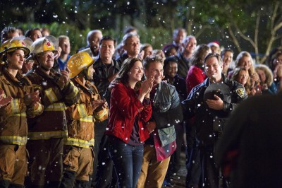 Christmas in Conway - The town pulls together as friends and family should!