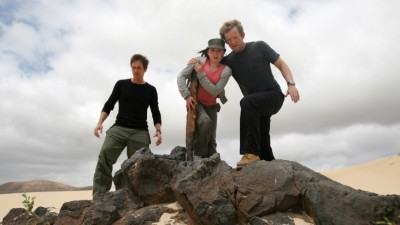 Primeval Series Two - Stephen and Cutter save the young girl