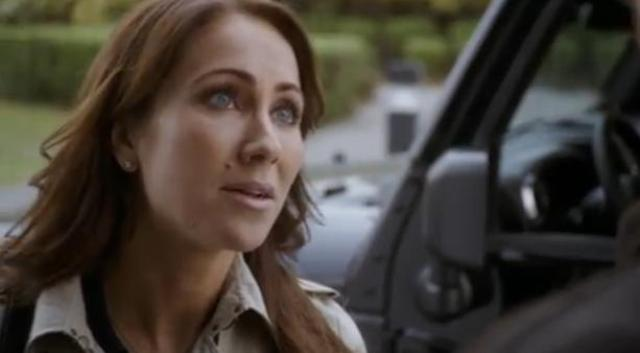 Primeval New World 01x04 Ange pleads with Evan