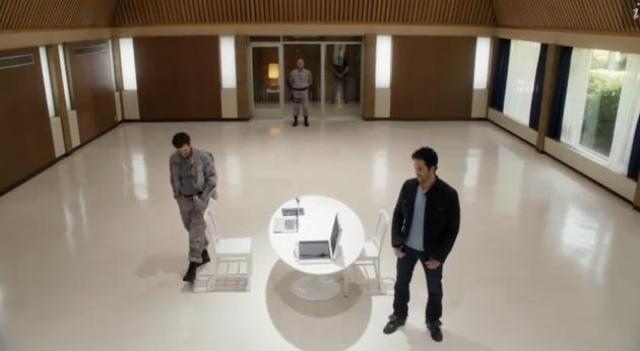 Primeval New World 01X11 Hall Evan discussion continues