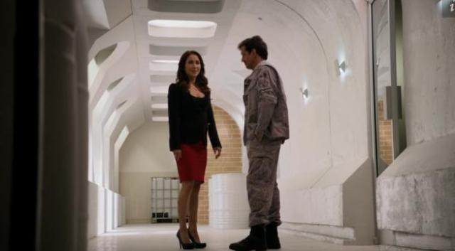 Primeval New World 01x12 Ange and Hall 1