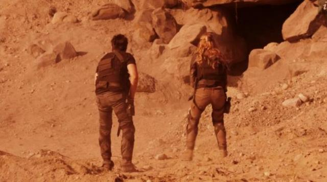 Primeval New World 01x12 Burrow
