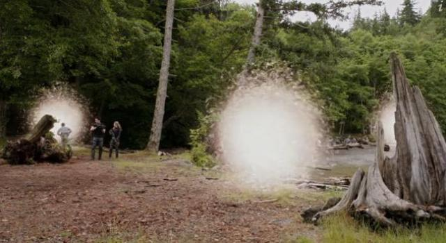 Primeval New World 01x12 Returning through