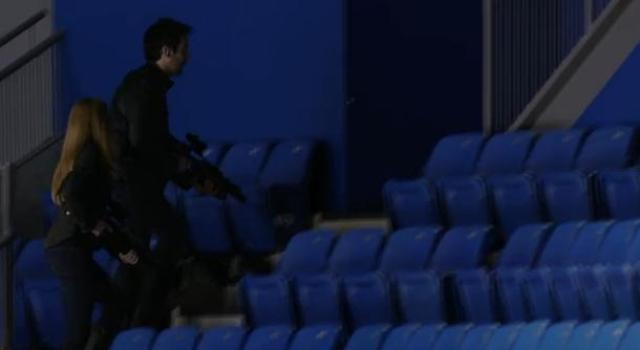 Primeval New World S1X10 Evan and Dylan climbing stairs in arena