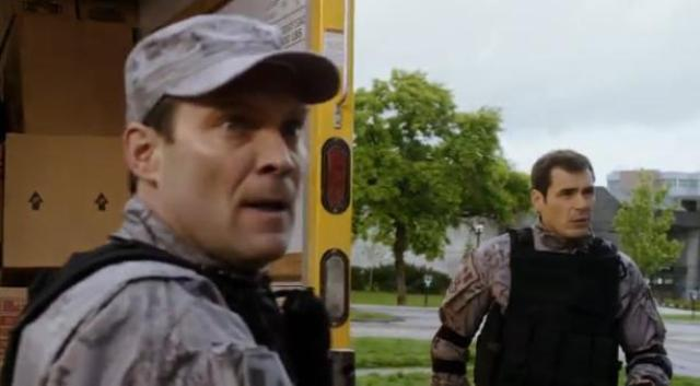 Primeval New World S1X10 Major Douglas and Sgt