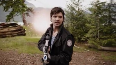 Primeval New World S1x13 - Connor arrives in the portal hub