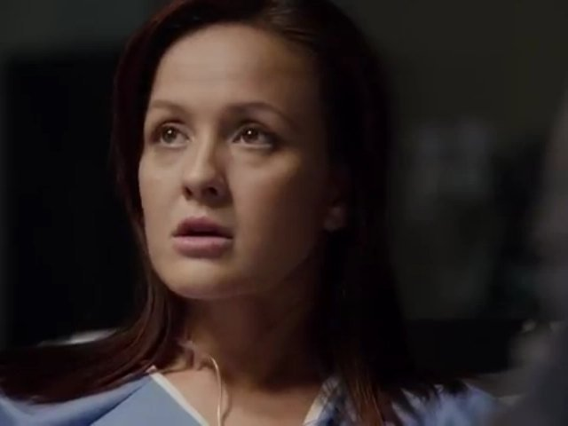 Primeval New World S1x13 - Toby chats with Lt Leeds who arrives at her hospital bed