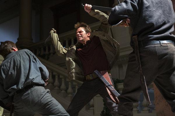 Revolution S1x01 - Billy Burke as swashbuckling Miles Matheson