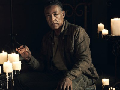 Revolution S2x01 - Giancarlo Esposito as Major Tom Neville
