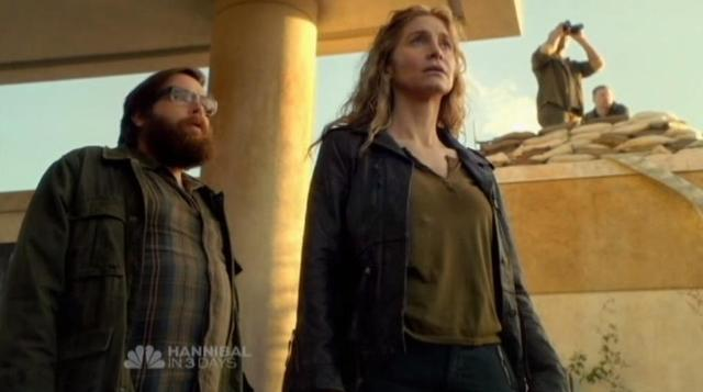 Revolution S1x12 Aaron and Rachell camp under attack