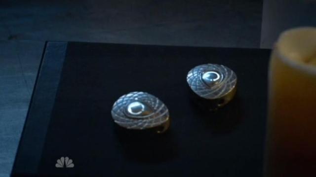 Revolution S1x12 Glowing pendants