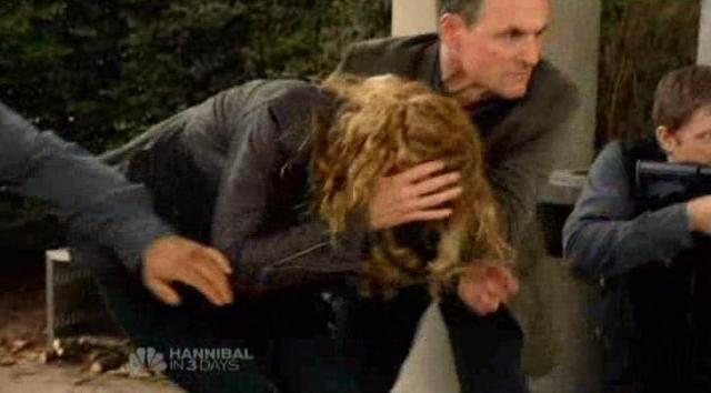 Revolution S1x12 Rachel and Randall get fired upon