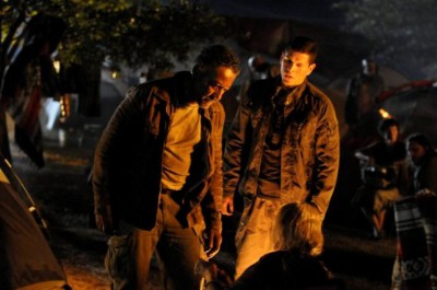 """Revolution S2x01 """"Born In The USA"""" Episode 201 -- Pictured: (l-r) Giancarlo Esposito as Captain Tom Neville, JD Pardo as Jason Neville -- (Photo by: Bill Records/NBC)"""
