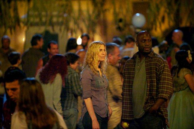 "Revolution S2x04 - Rachel and Ken meet on Halloween night  ""Patriot Games"" Episode 204 -- Pictured: (l-r) Elizabeth Mitchell as Rachel Matheson, Richard T. Jones as Ken Dawson -- (Photo by: Felicia Graham/NBC)"
