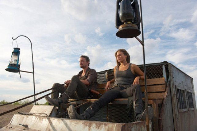 """Revolution S2x04 - Charlie and Monroe are only 10 miles away  """"Patriot Games"""" Episode 204 -- Pictured: (l-r) David Lyons as Gen. Sebastian Monroe, Tracy Spiridakos as Charlie Matheson -- (Photo by: Felicia Graham/NBC)"""