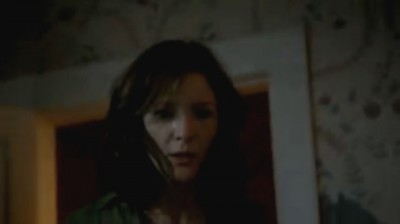 Revolution S2x02 - Aarons girlfriend Cynthia is in shock that he is alive