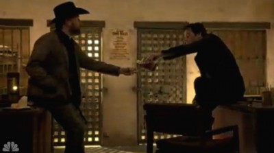 Revolution S2x05 - Texas Ranger Fry and Miles have a drink discussing the Patriots