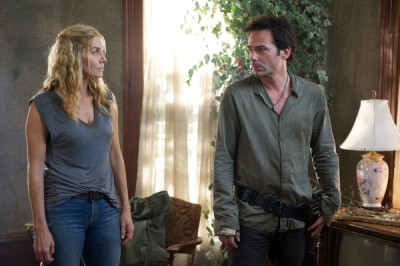 Revolution S2x07 - Freedom Fighters Rachel and Miles save Monroe!