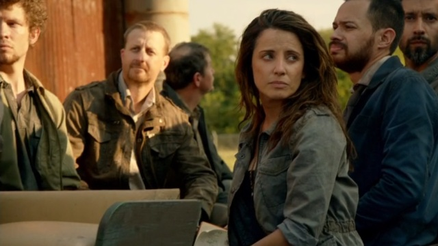 Revolution S2x06 - Bonnie Webster and the Patriot Press Corp arrive in Willoughby for the trial of Monroe