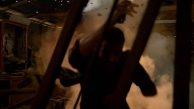 Revolution S2x06 - Monroe is stunned by a flash bang grenade