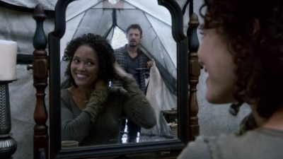 Revolution S2x06 - Monroe is with his pregnant girlfriend in their tent