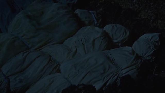 Revolution S2x07 - Doctor Gene Porter having nightmare flashbacks buries his dead wife after Cholera