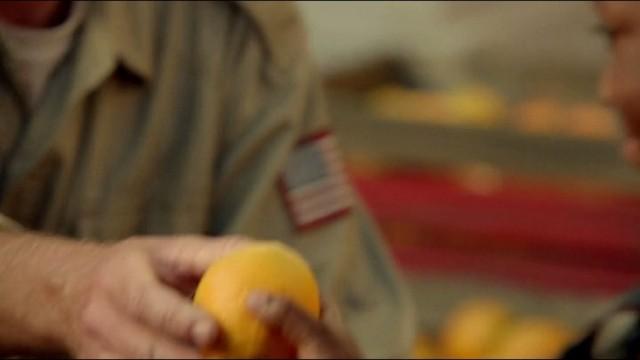 Revolution S2x10 - Patriots pass out the poisoned oranges