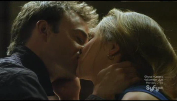 Sanctuary S4x04 - Will and Abby kiss